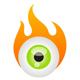 Auge vor einer Flamme
